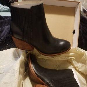 Cinca black leather bootie